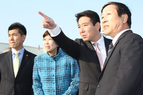 Japón: Los dos principales partidos de la oposición se fusionan y eligen líder