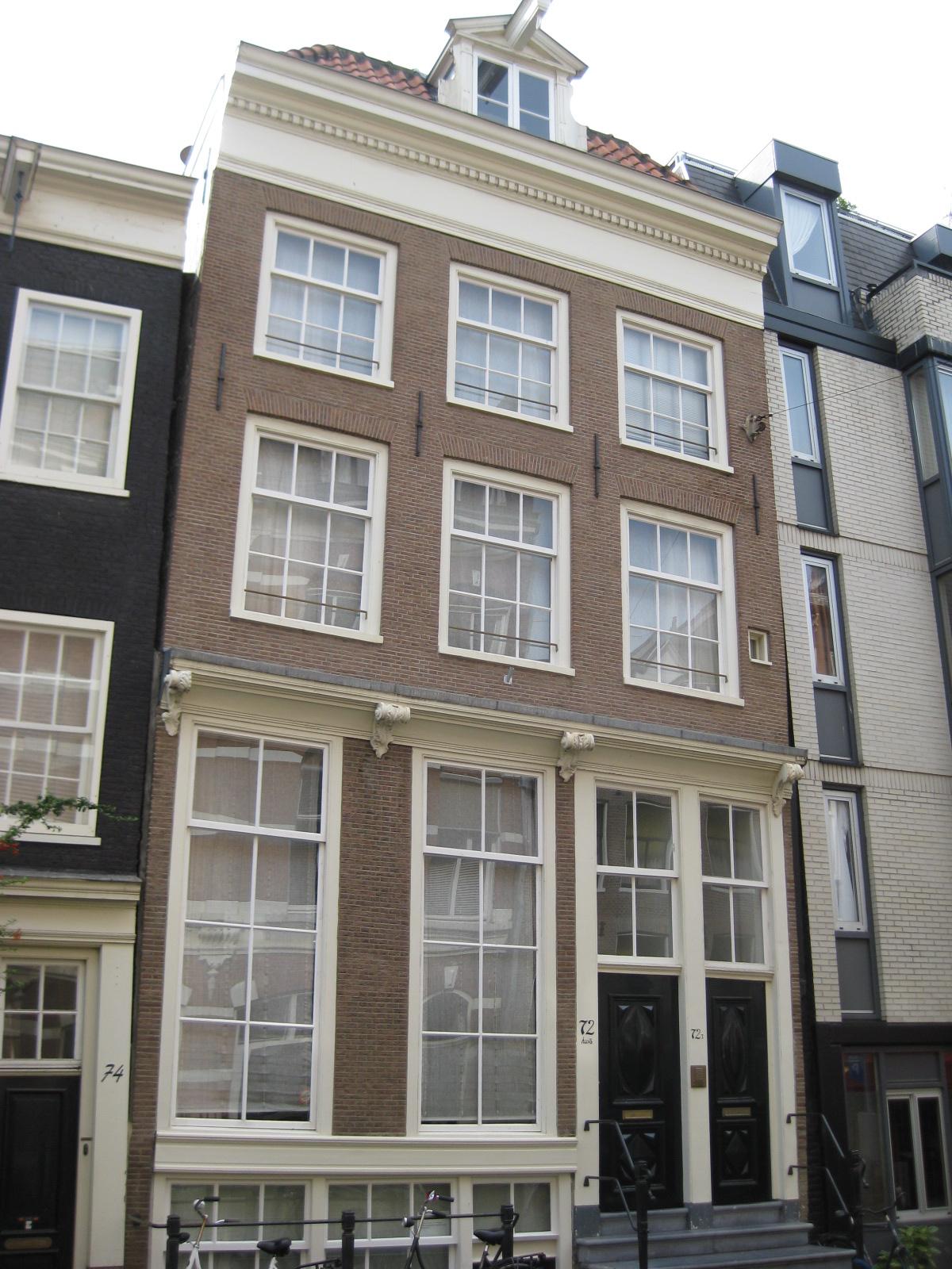 Huis met gevel waarvan de onderste helft xviiic en de bovenste in amsterdam monument - Huis gevel ...