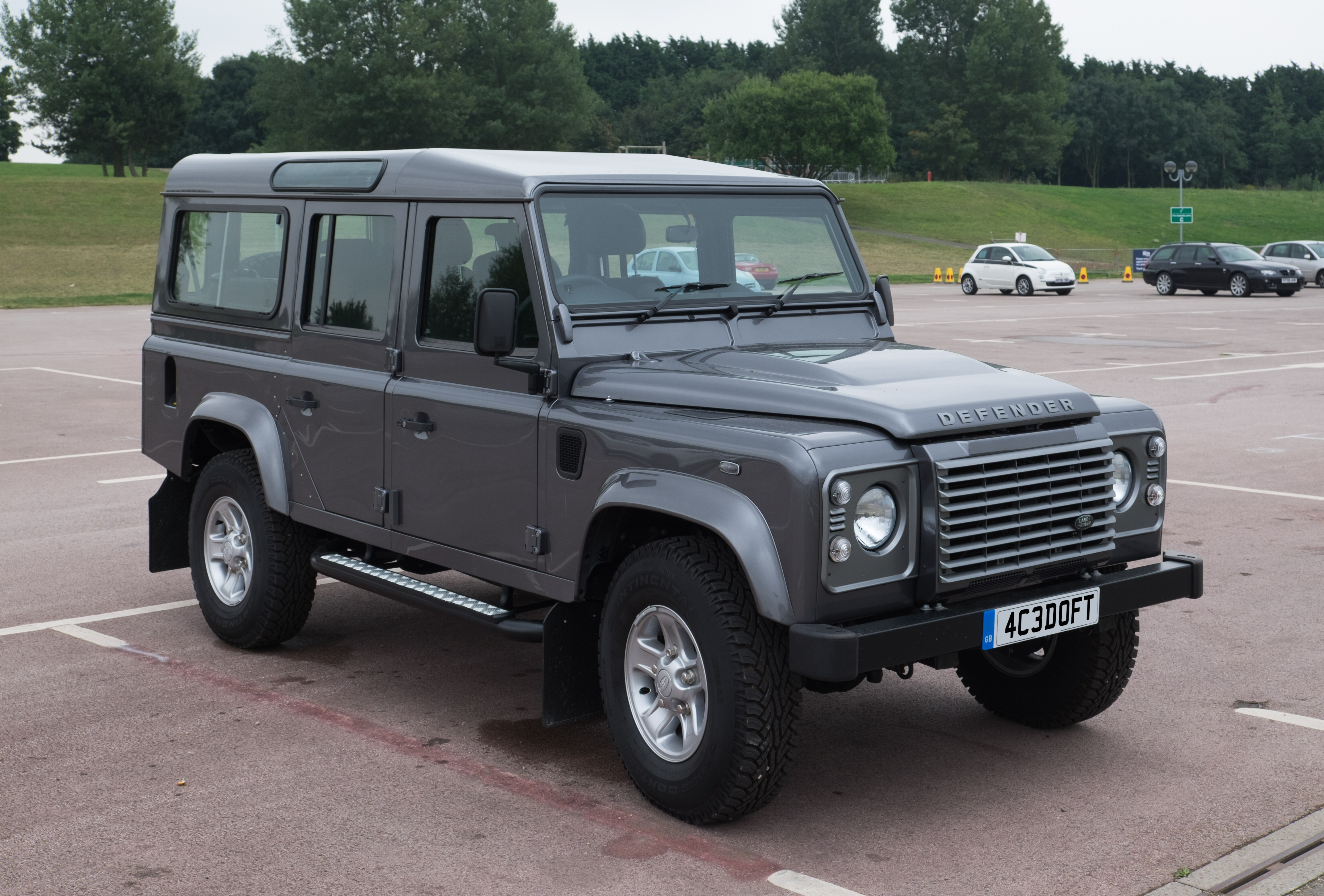 Outstanding Land Rover Defender Wikiwand Wiring Digital Resources Spoatbouhousnl