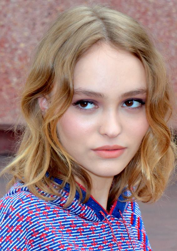 Young Lily-Rose Depp  naked (43 photo), Facebook, cleavage