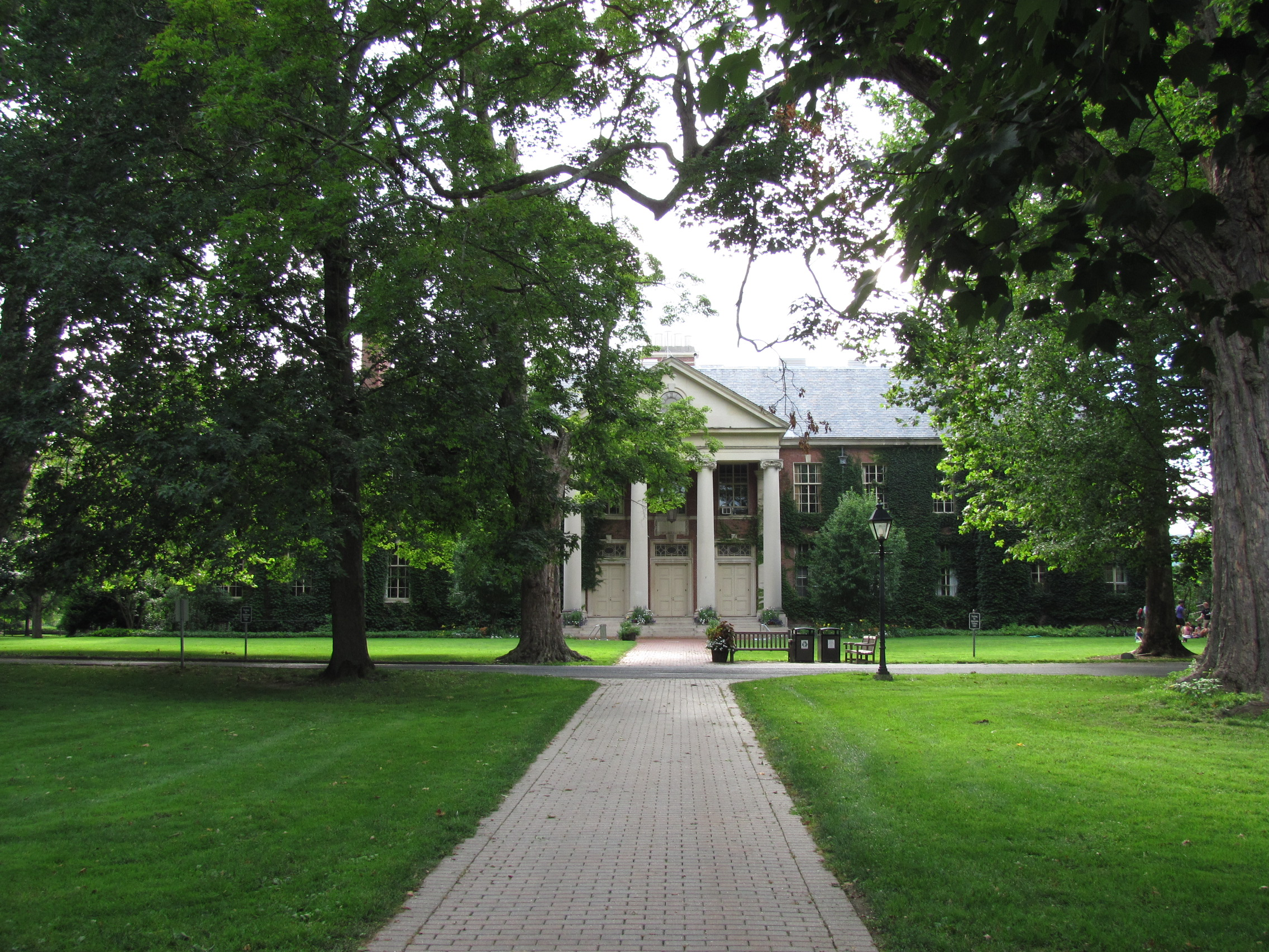 Old school deerfield academy places i have been worth going back
