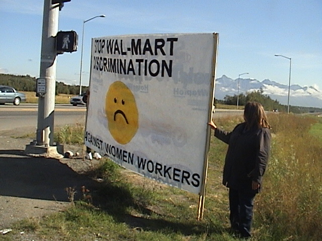 wal mart sex discrimination A us court began considering on tuesday whether to uphold a lower court ruling allowing about 2 million current and former female wal-mart workers to sue.