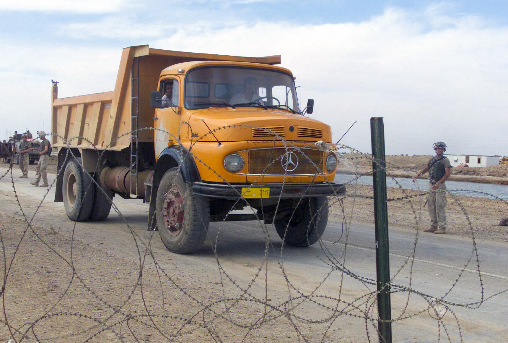 file mercedes benz 1924 dump truck jpeg wikimedia commons