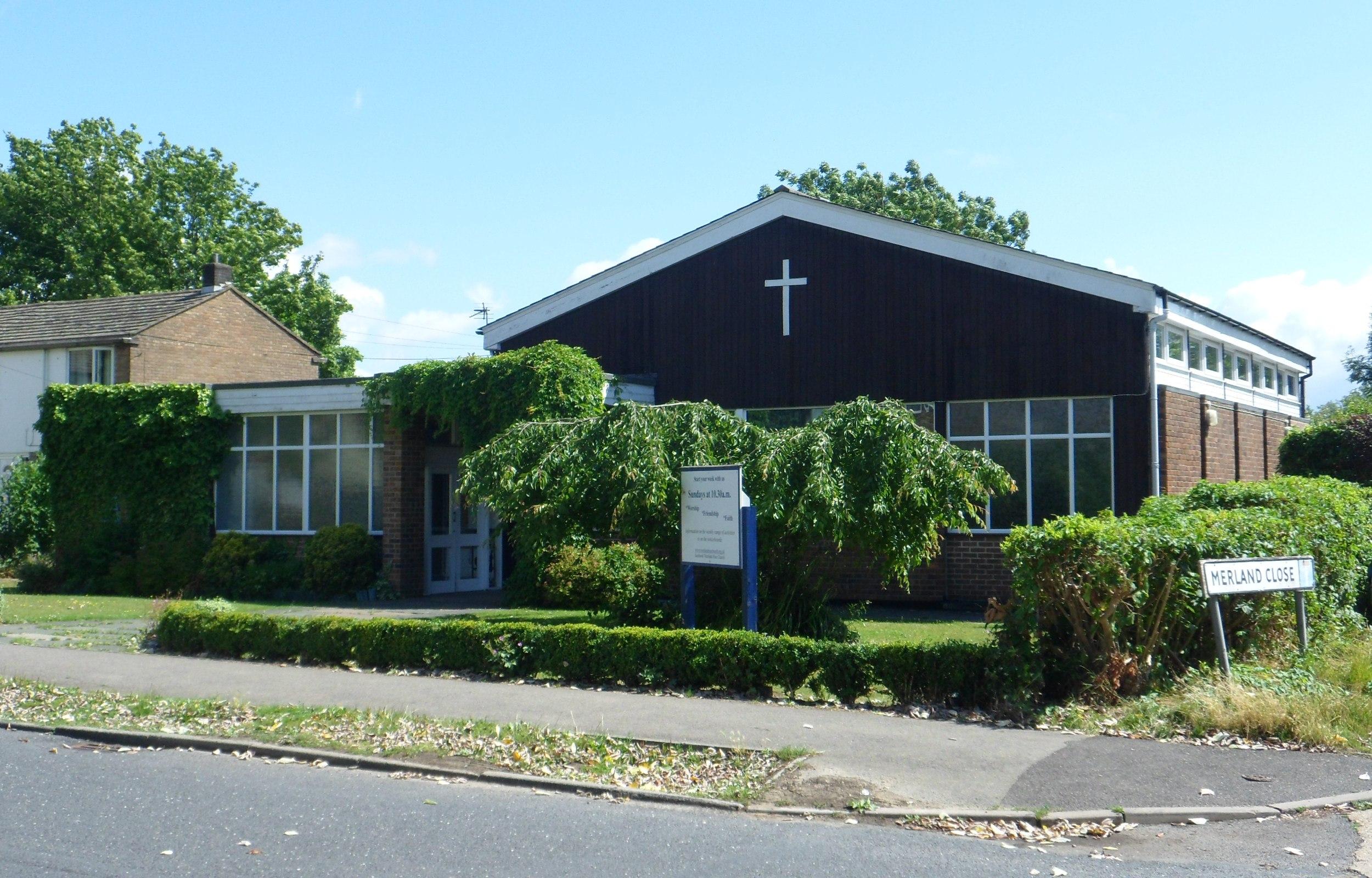 File:Merland Rise Church, Merland Rise, Tadworth JPG