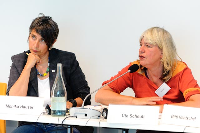 Monika Hauser & Ute Scheub 2011.jpg