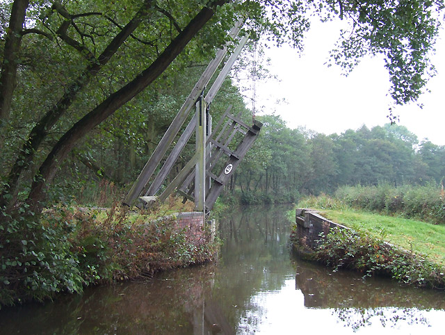 Oak Meadow Ford Lift Bridge, Caldon Canal, Staffordshire - geograph.org.uk - 589401