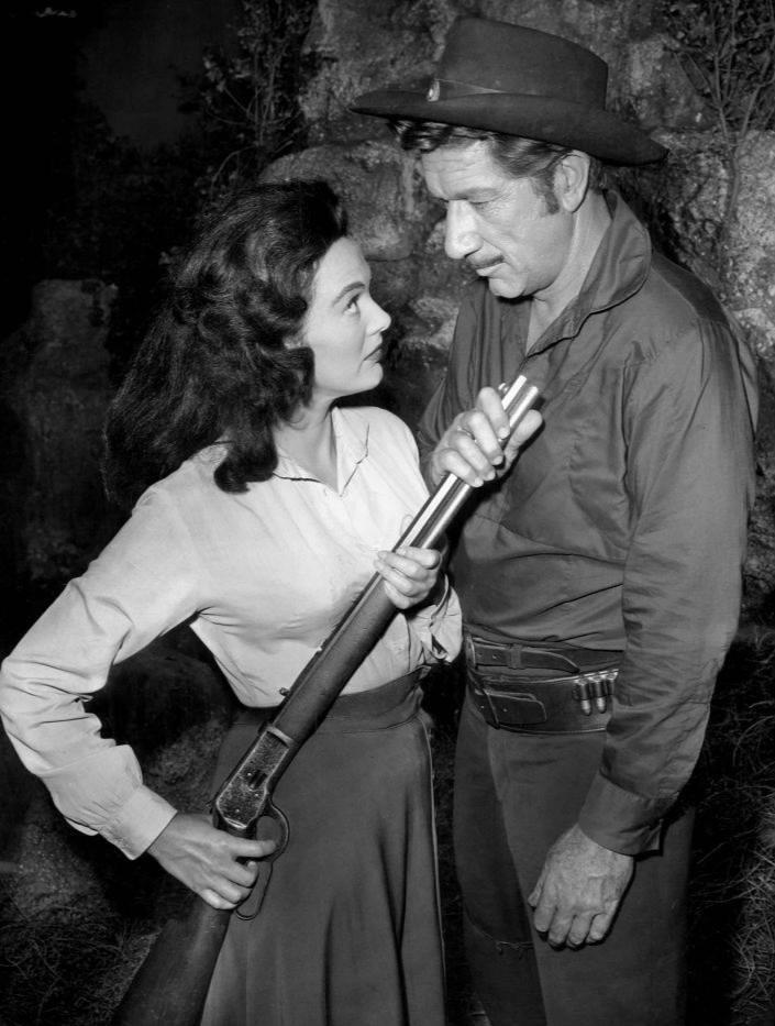 File:Patricia Medina Richard Boone Have Gun Will Travel 1960.JPG ...
