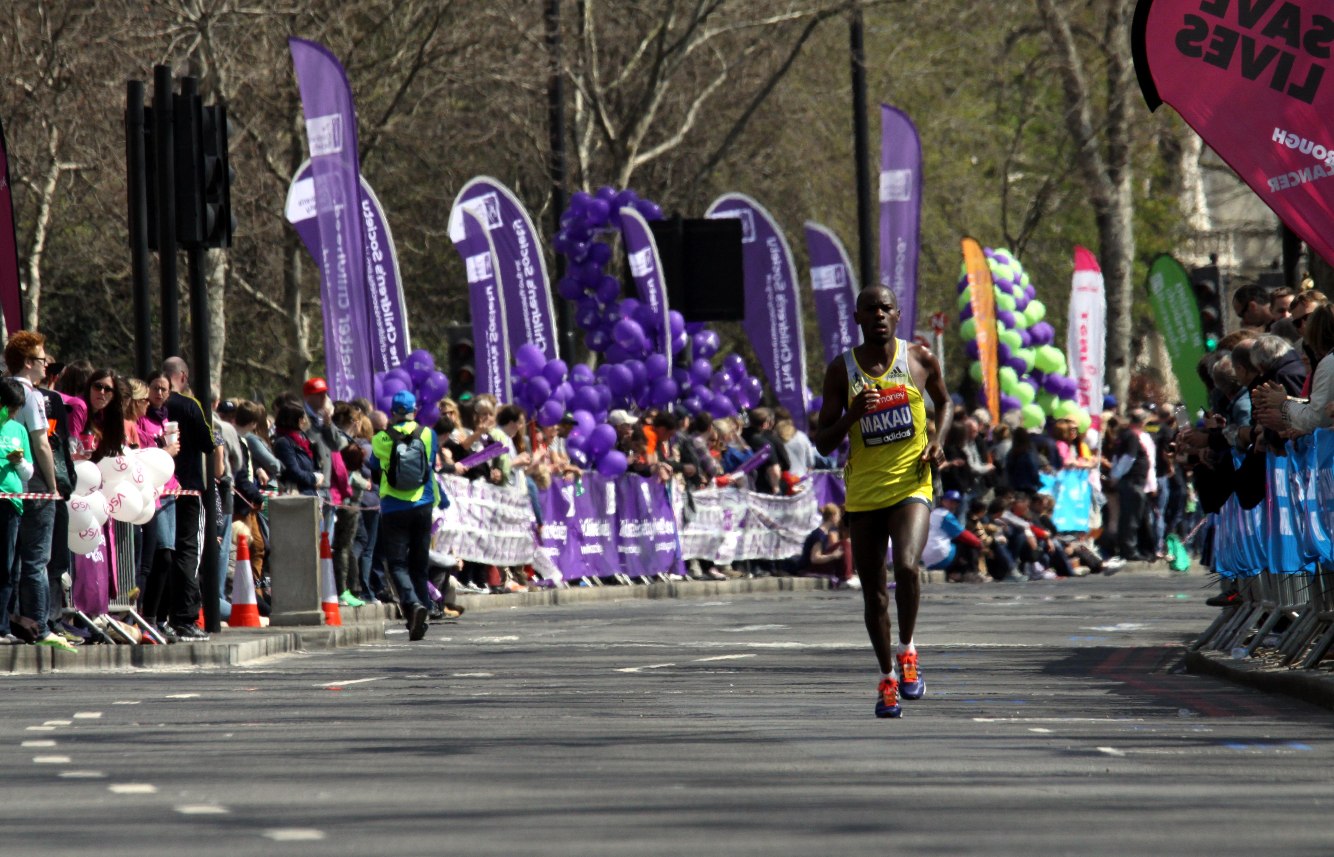 File:Patrick Makau during 2013 London Marathon (1).JPG - Wikimedia ...