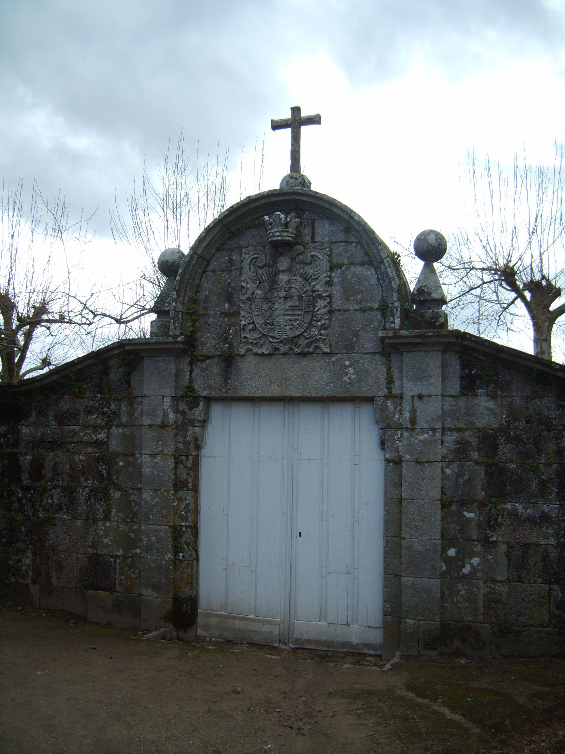 http://upload.wikimedia.org/wikipedia/commons/c/cf/Pazo_de_Oca_-_5_-_Porta.JPG