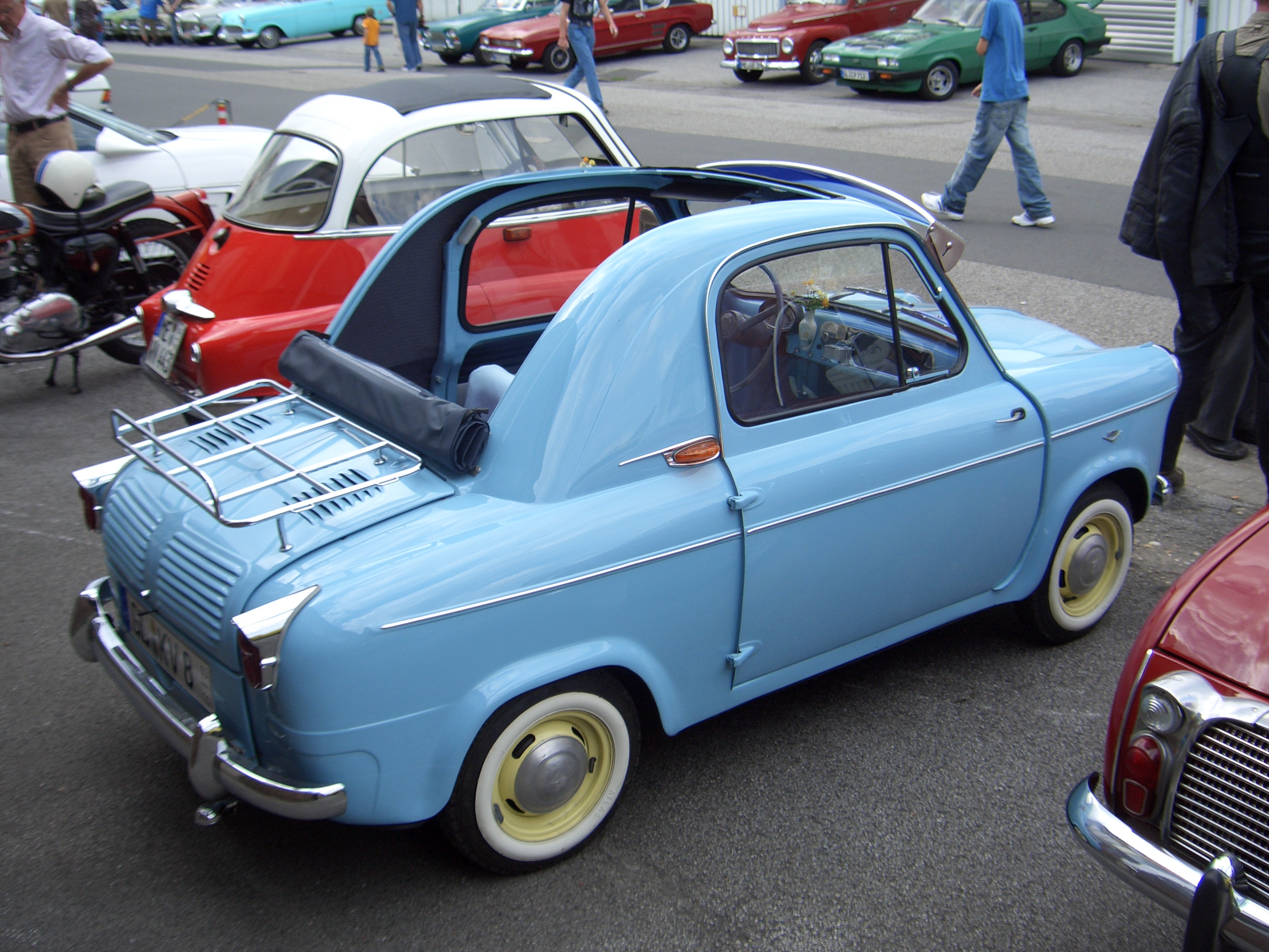 1961 Vespa 400 Automobile http://commons.wikimedia.org/wiki/File:Piaggio_Vespa_400_1957-1961_backright_2008-08-17_A.jpg