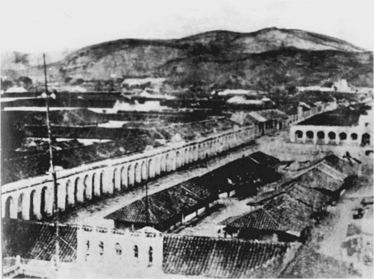 Plaza de Armas de Guatemala en 1860. Imagen de Wikimedia Commons.