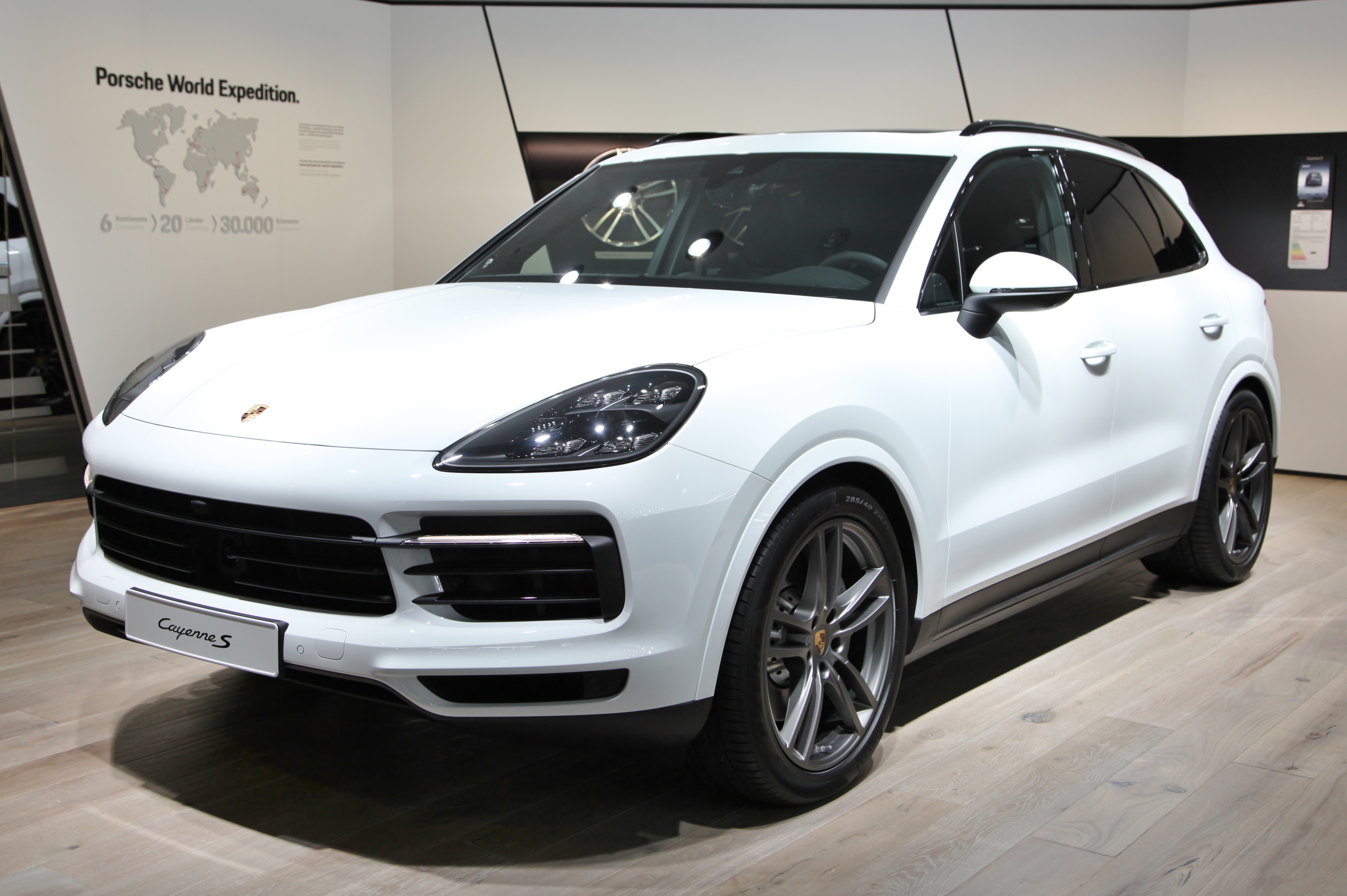 file porsche cayenne s img wikimedia commons. Black Bedroom Furniture Sets. Home Design Ideas