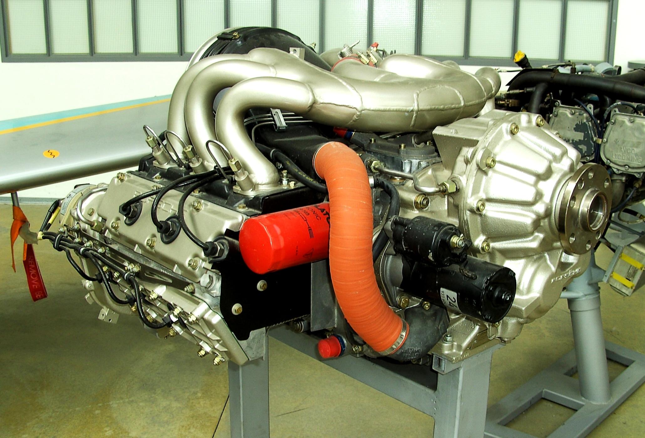 File Porsche aircraft engine JPG Wikimedia mons