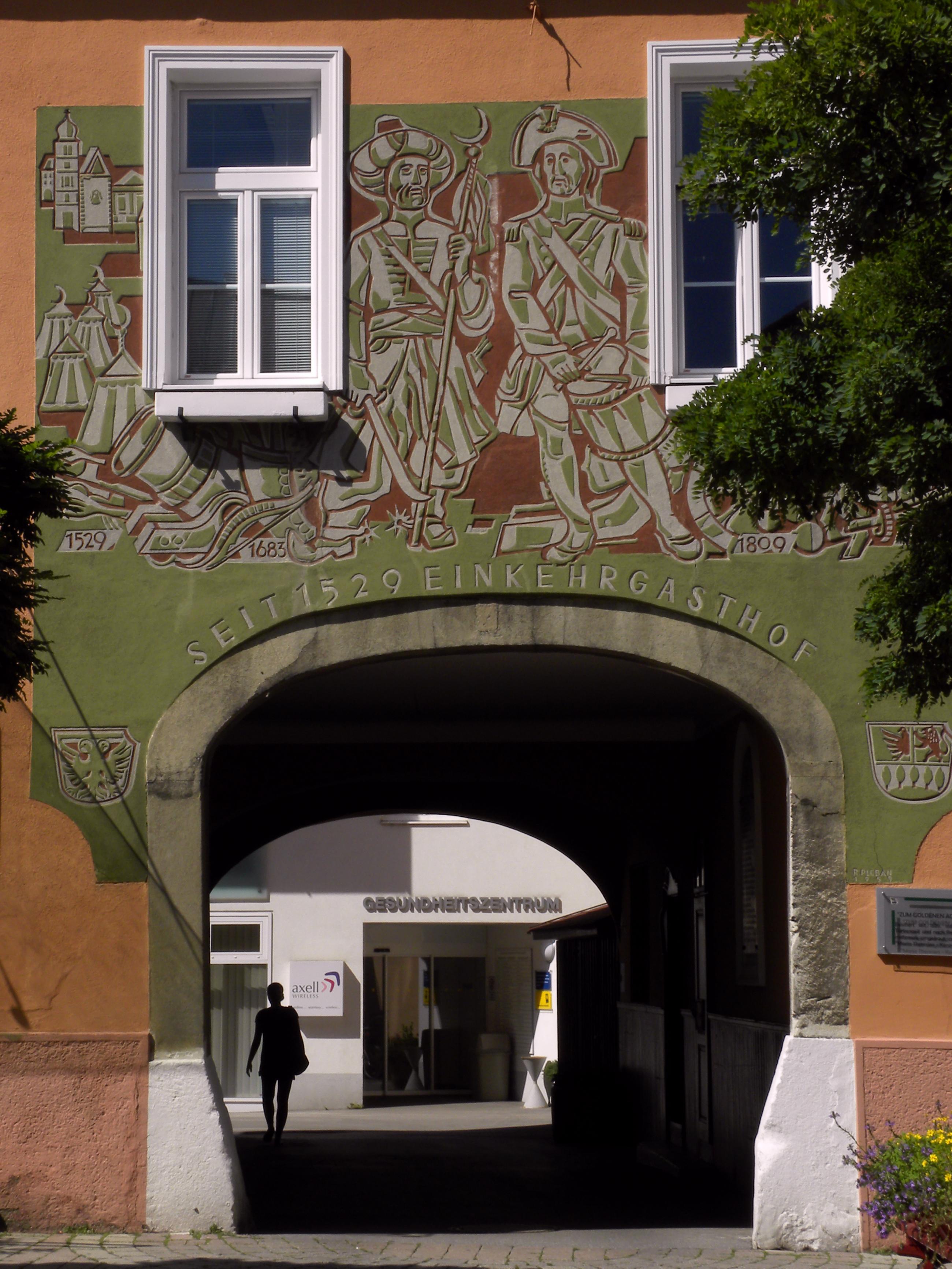 File:Purkersdorf Hauptplatz 10 Gasthof zum Goldenen