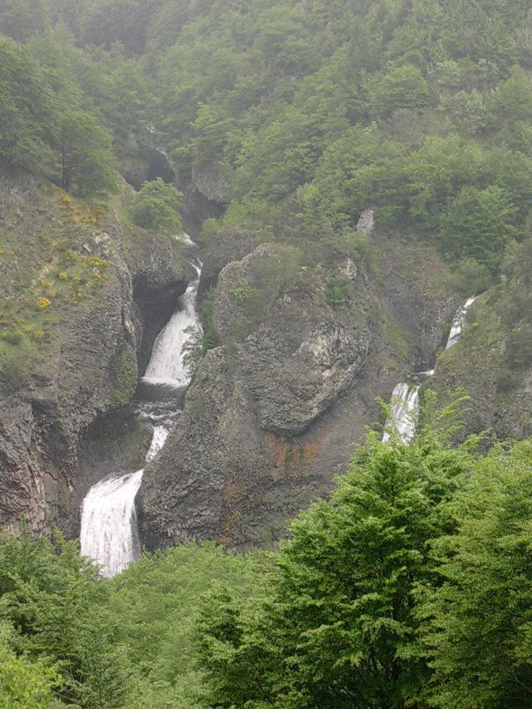 Cascade du Ray-Pic \u2014 Wikip\u00e9dia