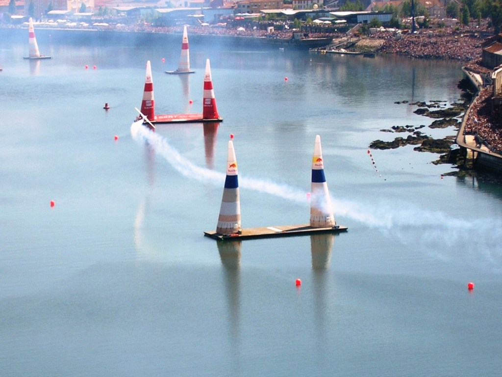Red_Bull_Air_Race_1_(Porto).jpg