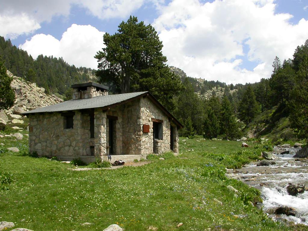 Refugi del riu dels orris viquip dia l 39 enciclop dia lliure - Refugios con encanto ...