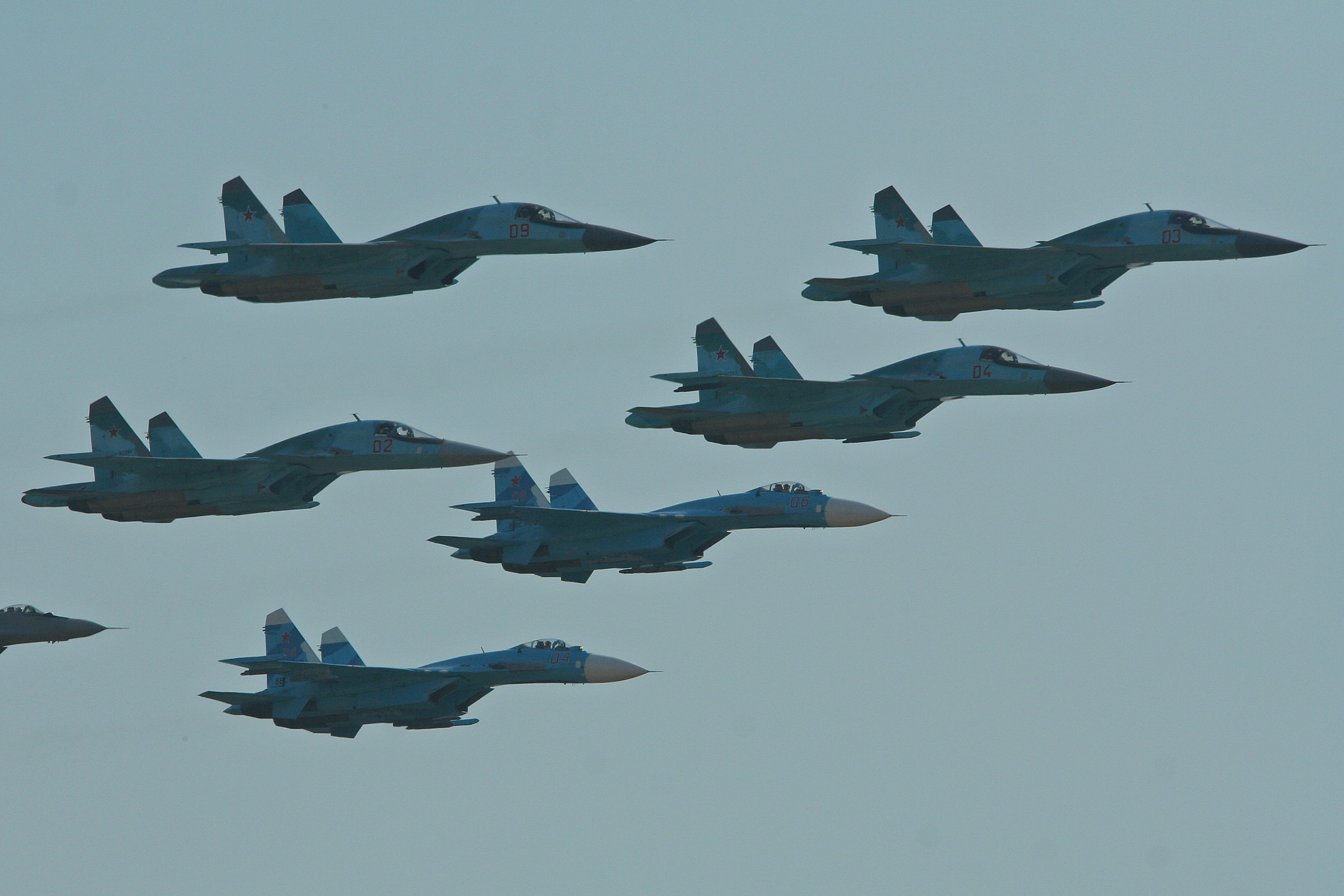 File:Russian Air Force fighter formation - Zhukovsky 2012 (8724698862).jpg - Wikimedia Commons
