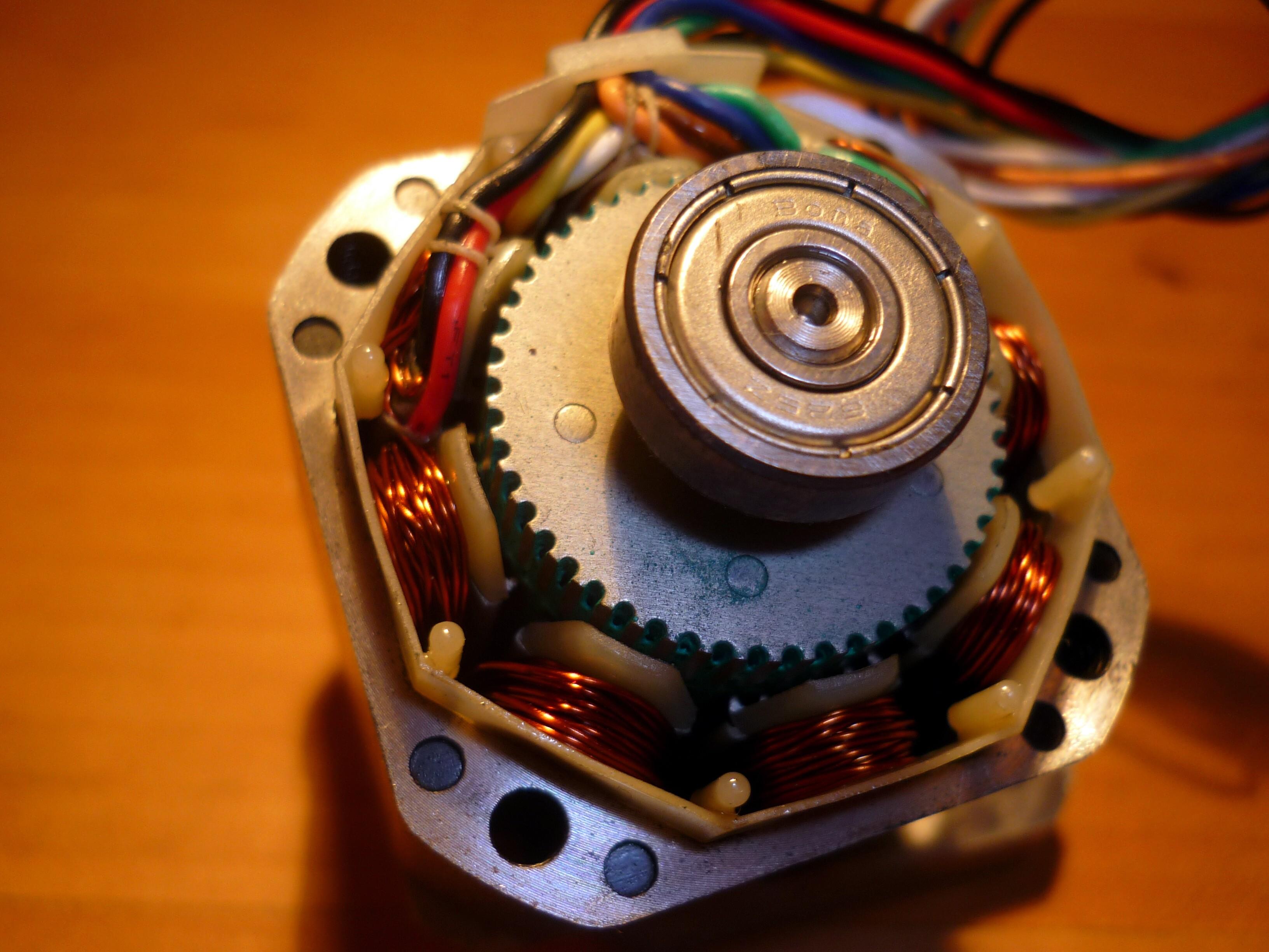 File:Stepper motor.jpg - Wikimedia Commons