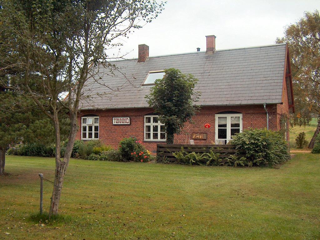 Tidligere Tønning station set fra Bryrupbanestien