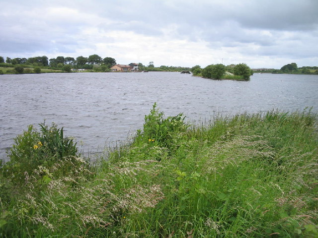 Townhill Loch - geograph.org.uk - 23558