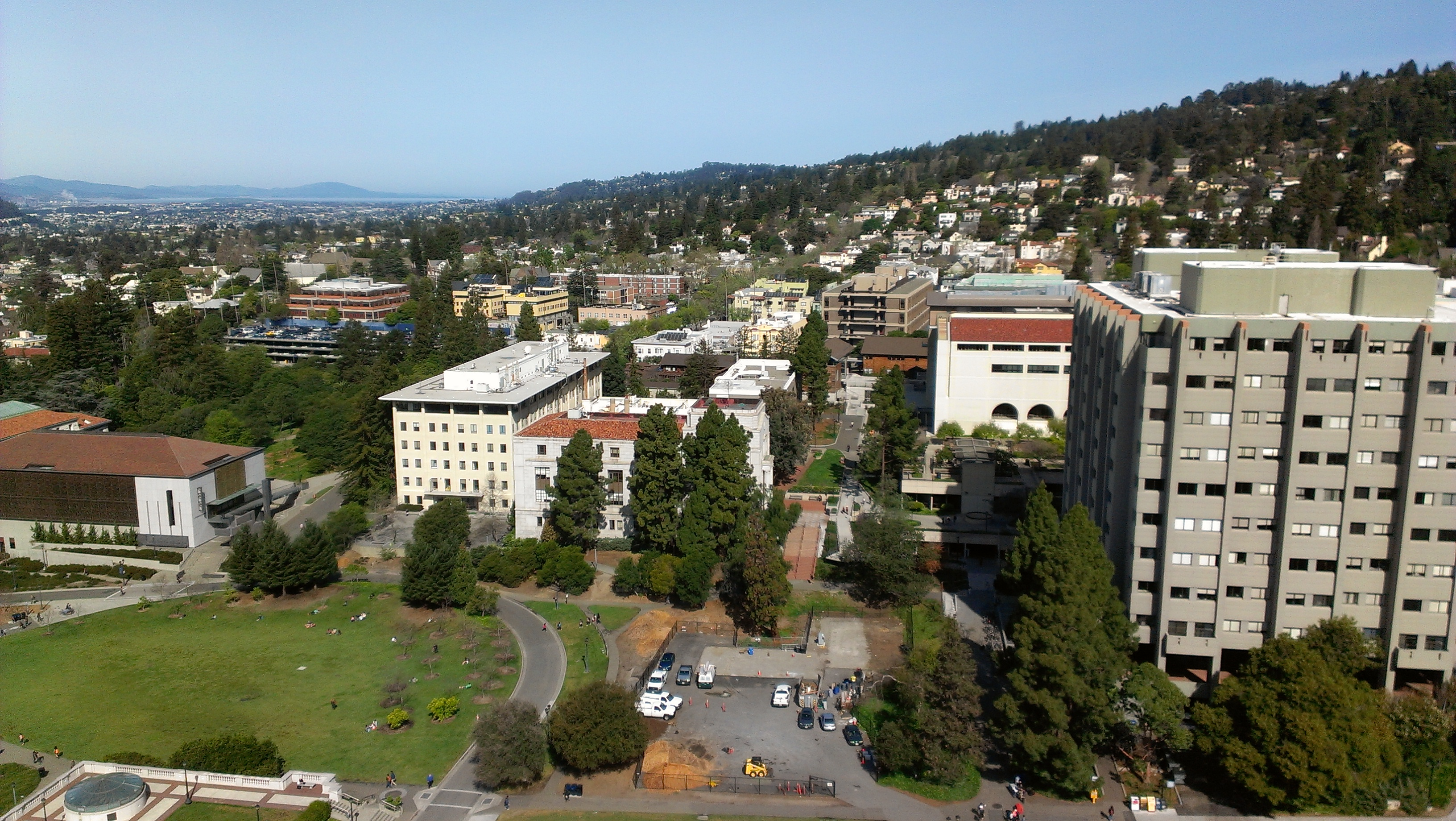 UC Berkeley (Haas) Admissions Essays and Deadlines for 2011-2012