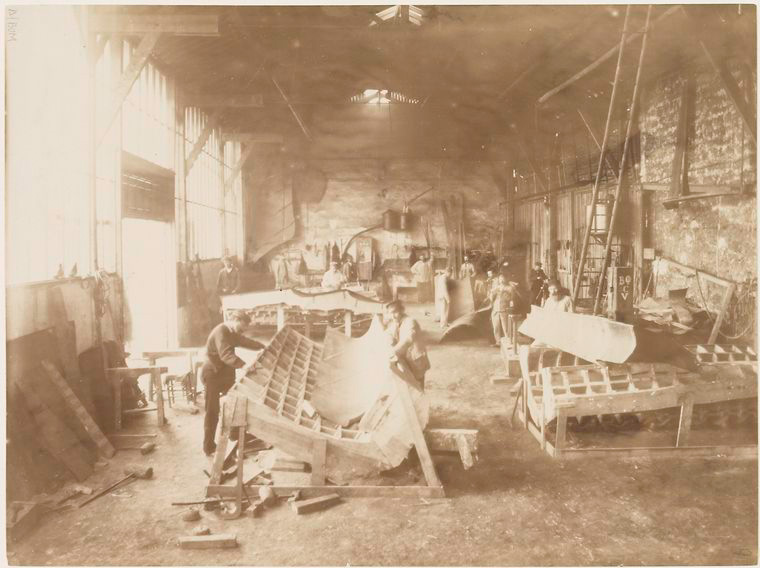 Albert Fernique, Men in a workshop shaping sheets of copper for the construction of the Statue of Liberty, 1883