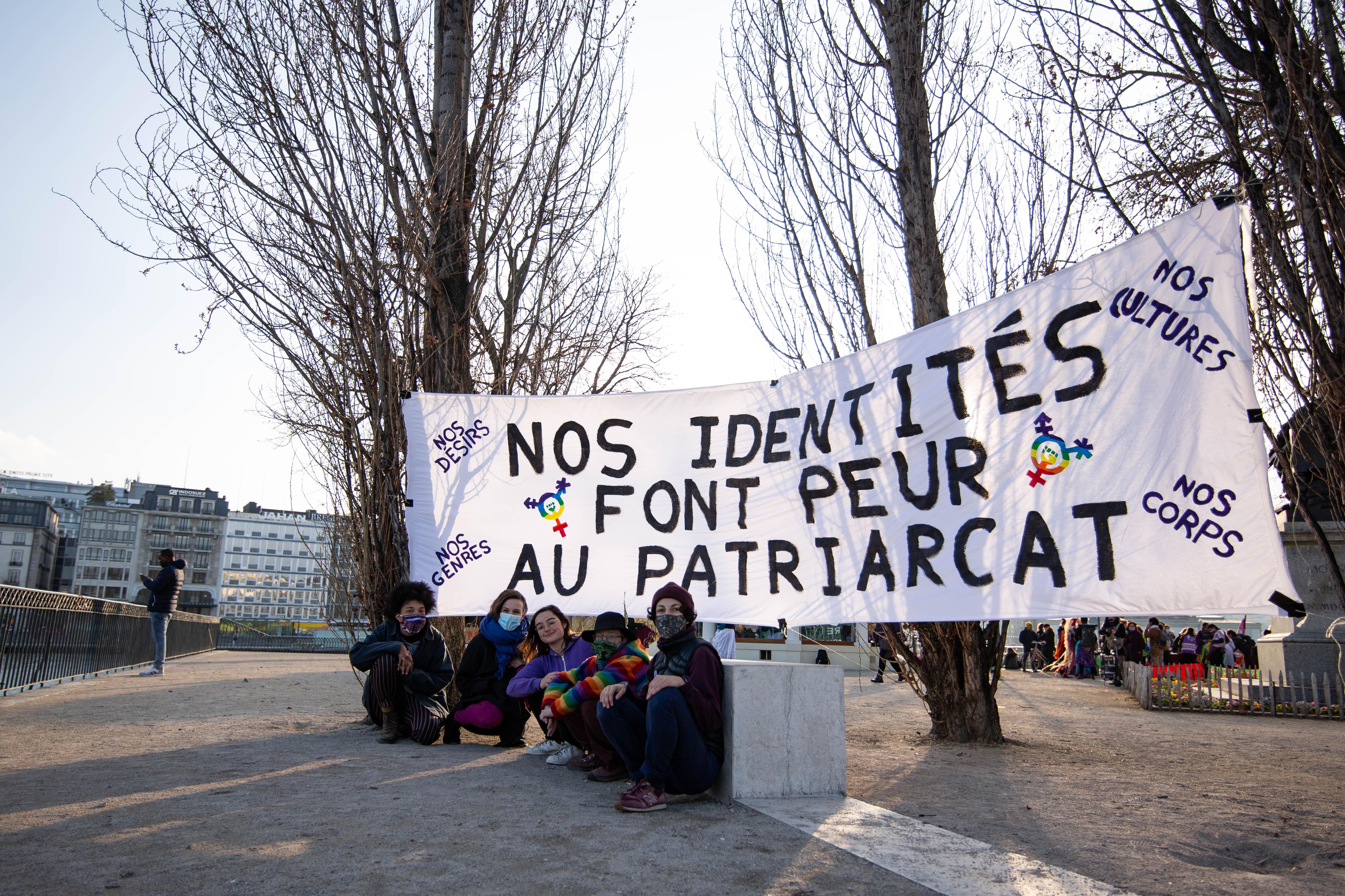 LGBTIQ de la grève féministe Wikimedia username: Roblox-stuck URL: https://commons.wikimedia.org/wiki/user:Roblox-stuck author name string: Roblox-stuck