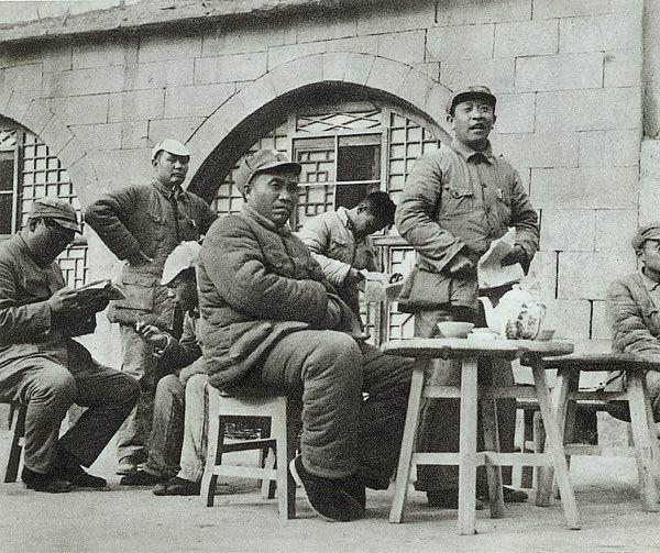 1940_Zhu_De_in_Yan%27an.jpg