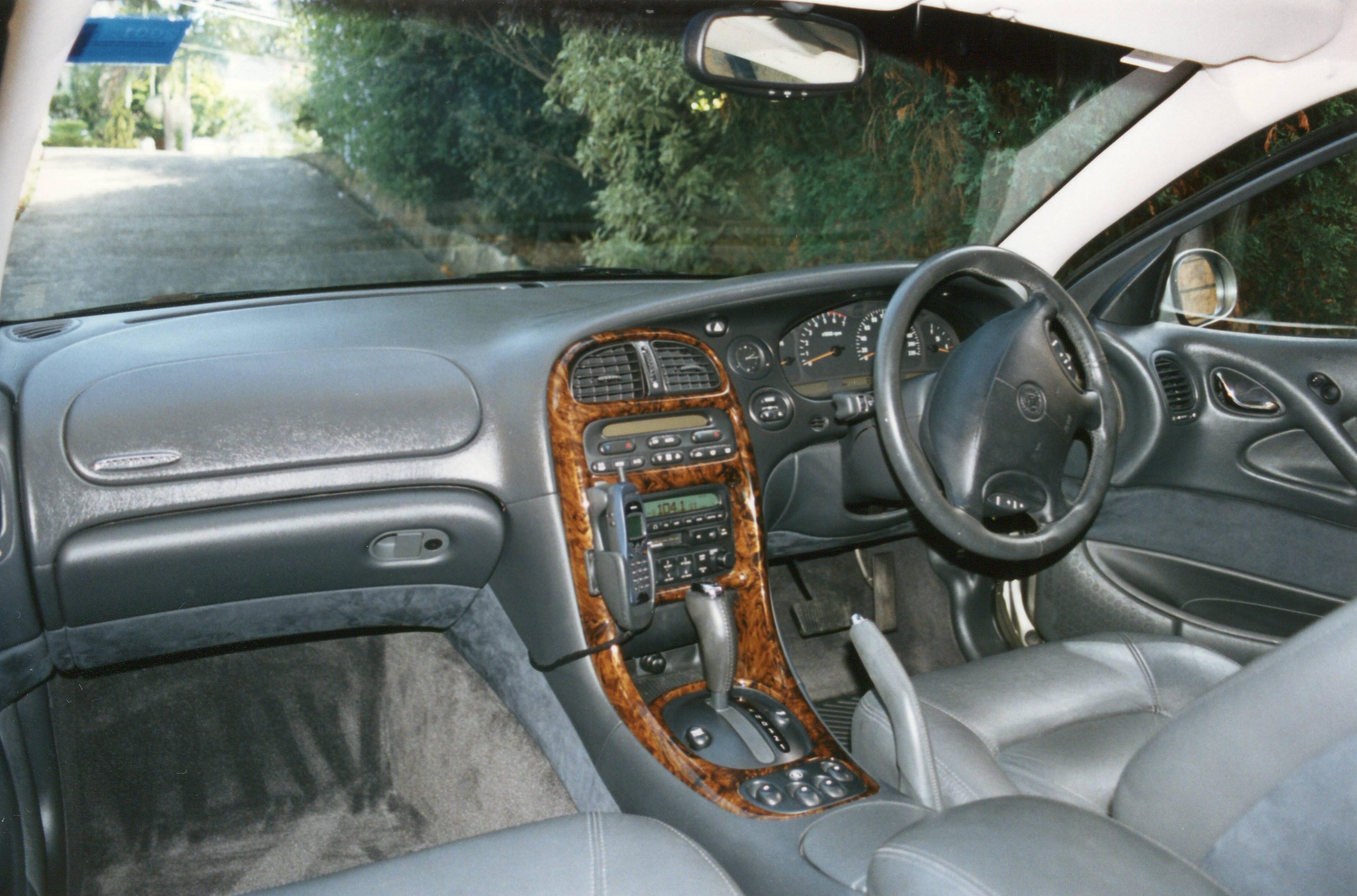 file 1999 holden caprice wh sedan 16665281054 jpg wikimedia rh commons wikimedia org 2001 Chevrolet 2001 Chevy Impala SS