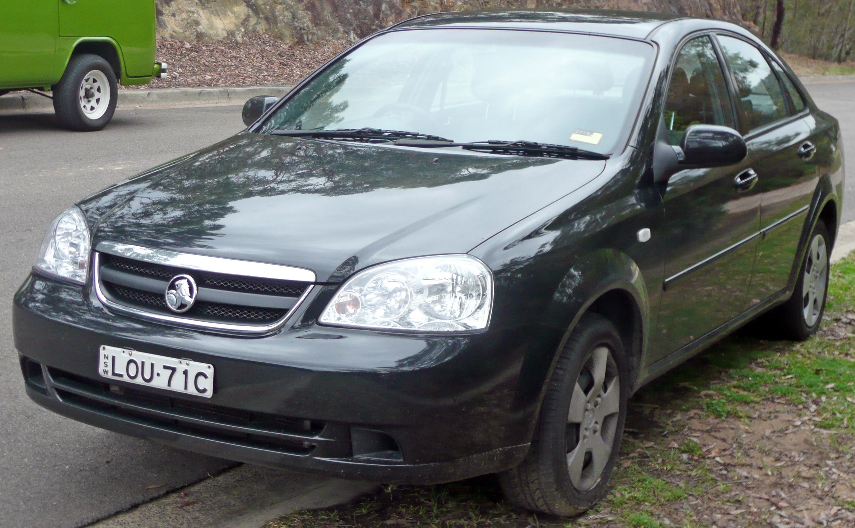 File2005 2007 holden viva jf sedan 04g wikimedia commons file2005 2007 holden viva jf sedan 04g vanachro Choice Image