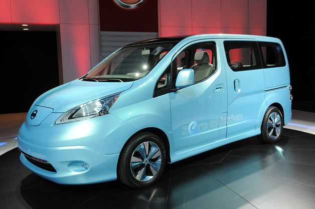 https://upload.wikimedia.org/wikipedia/commons/d/d0/2012_Geneva_Auto_Show_-_Nissan_ENV200_(6974911839).jpg