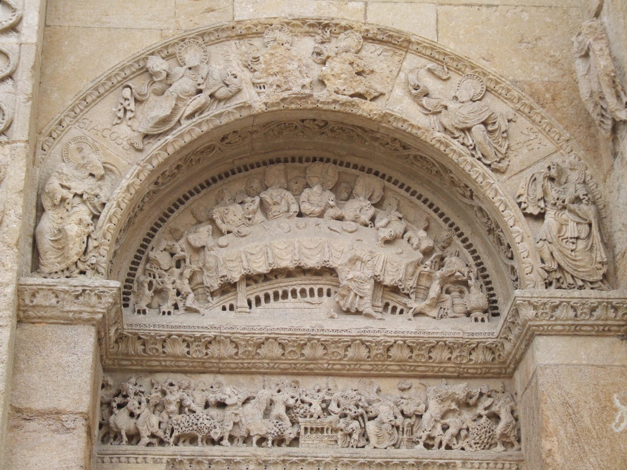 File abbaye de charlieu petit portail jpg wikimedia commons for Petit portail