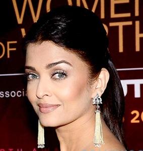File:Aishwarya Rai at L'Oreal Paris Awards 2016'.jpg