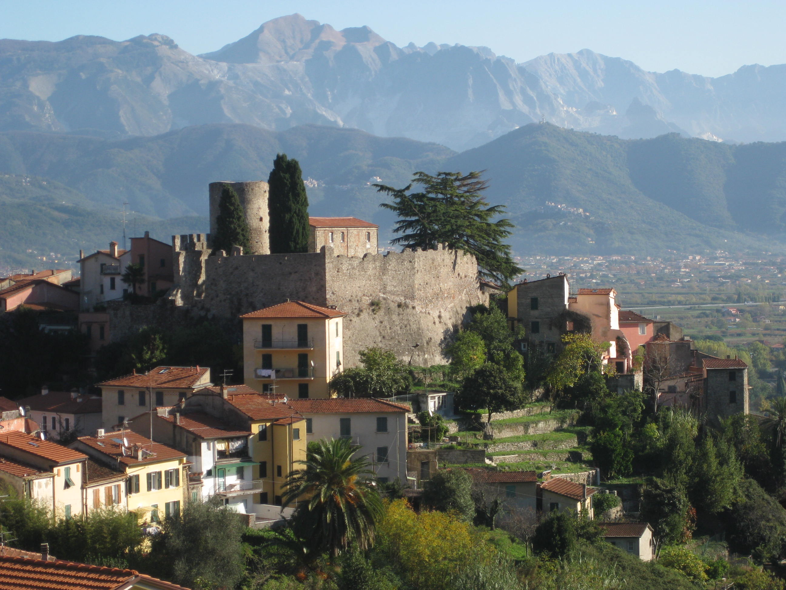 Ameglia Italy  city photos gallery : Ameglia Castle with Apuan Alps Wikimedia Commons