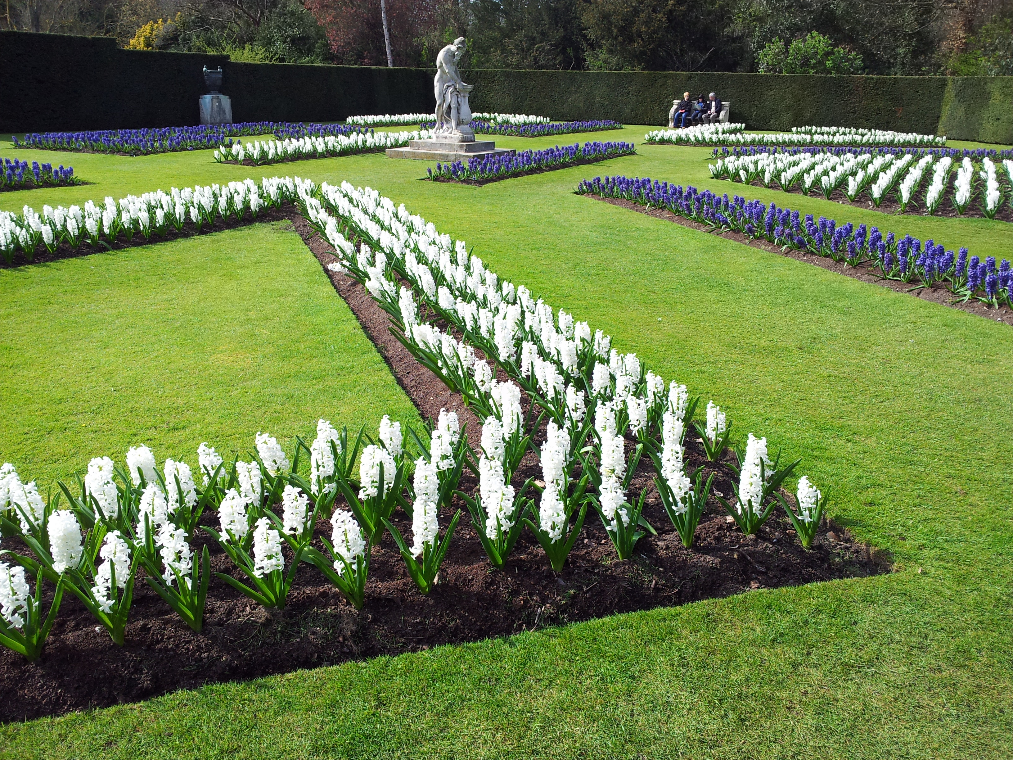Superb File Anglesey Abbey Formal Garden Spring 3 Wikimedia Commons Largest Home Design Picture Inspirations Pitcheantrous