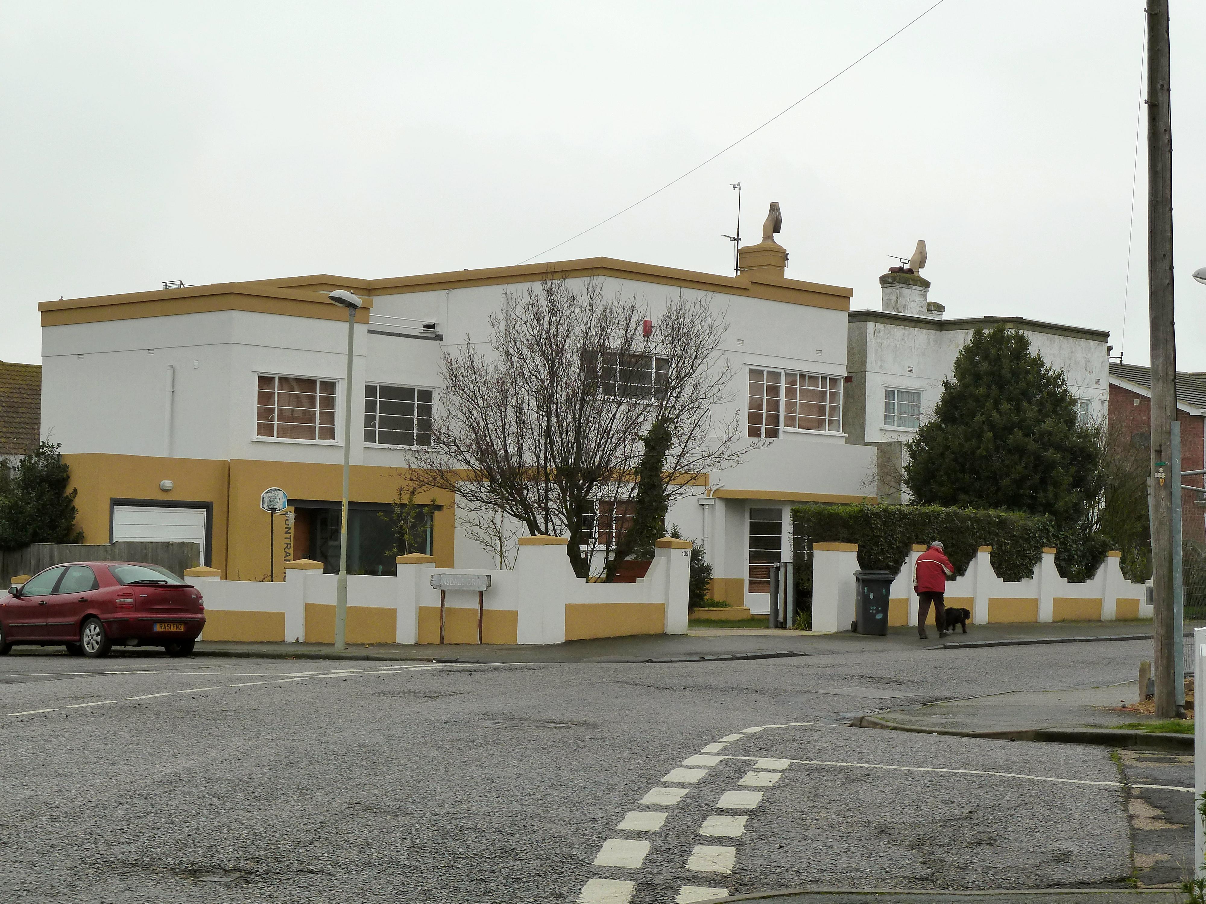 File:Art Deco houses in Grand Drive Herne Bay Kent.JPG