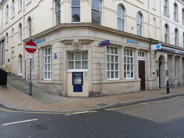 File:Barclays, No.136 The High Street, Ilfracombe. - geograph.org.uk - 1269162.jpg
