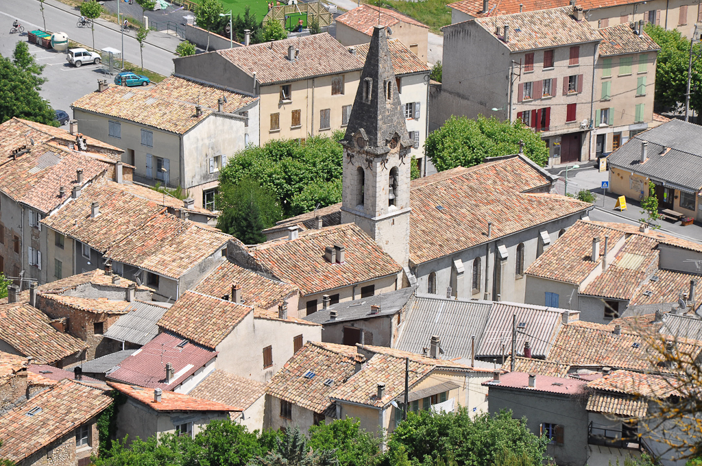 The church and surrounding buildings in Barrême