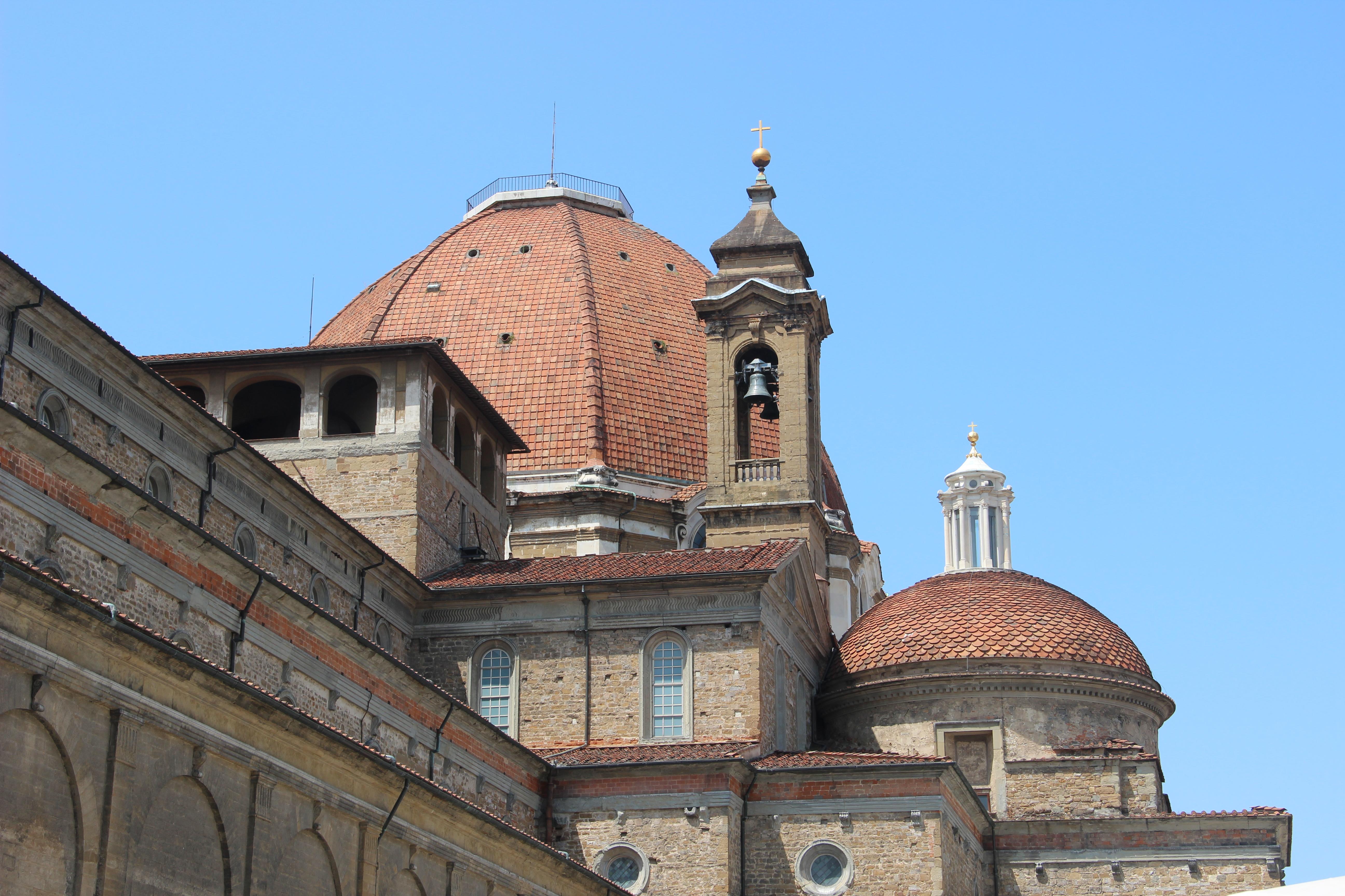 Basilica di San Lorenzo e Cappelle Medicee (15175882503).jpg