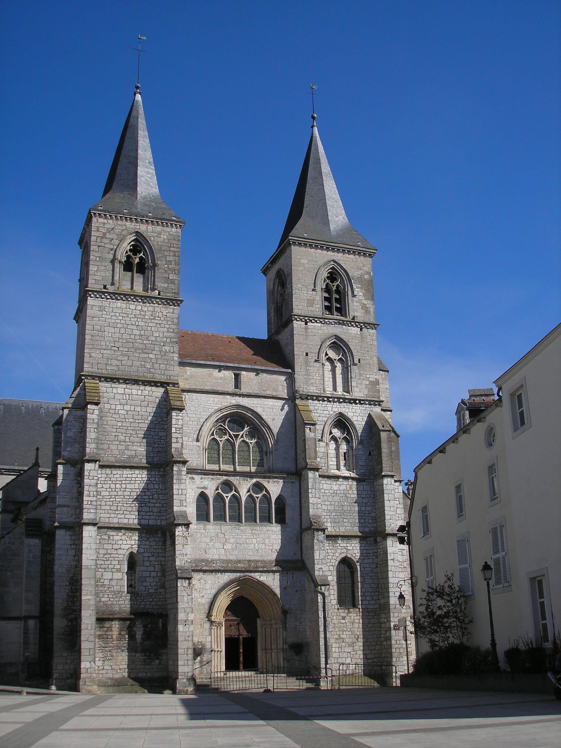 Saint jean baptiste chaumont 52 haute marne for Chaumont haute marne