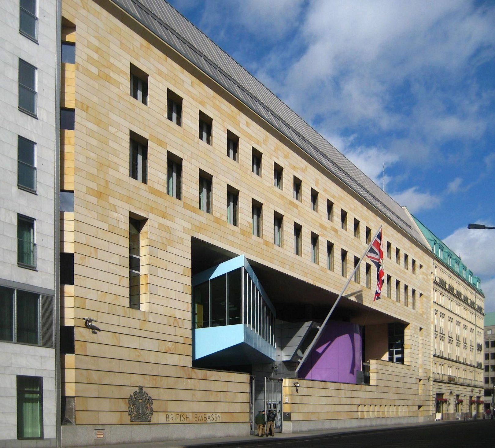 File berlin mitte wilhelmstrasse botschaft for Consul building