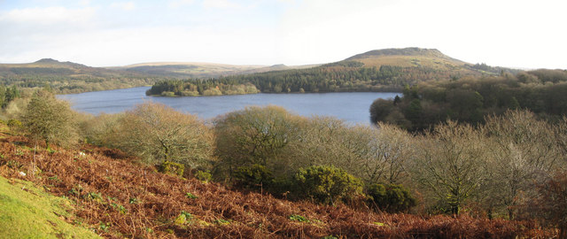 Burrator Reservoir - Sheep's Tor in background - geograph.org.uk - 643421