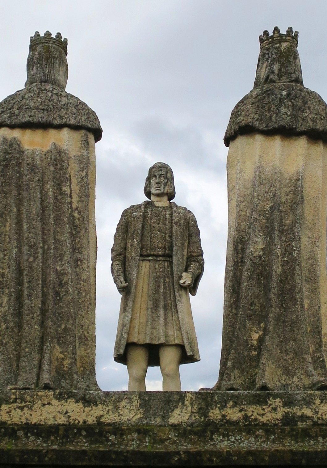 File:Córdoba (Spain), Statue of Christopher Columbus in the Gardens ...