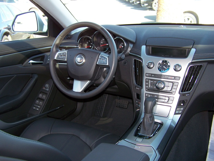 File Cadillac Cts Dash Jpg Wikimedia Commons