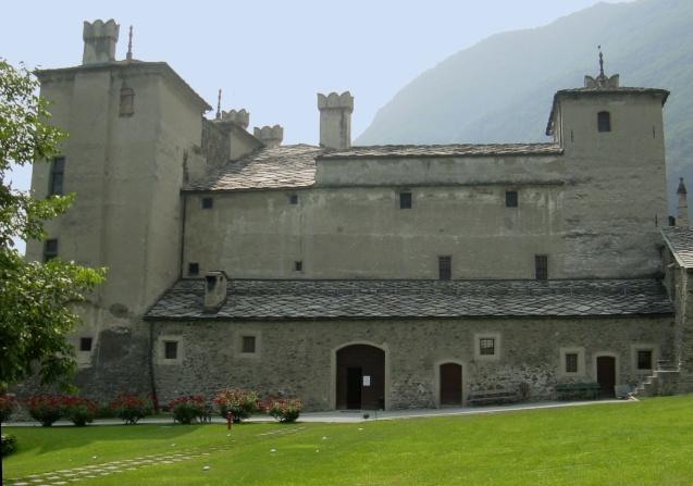 Risultati immagini per castello di issogne