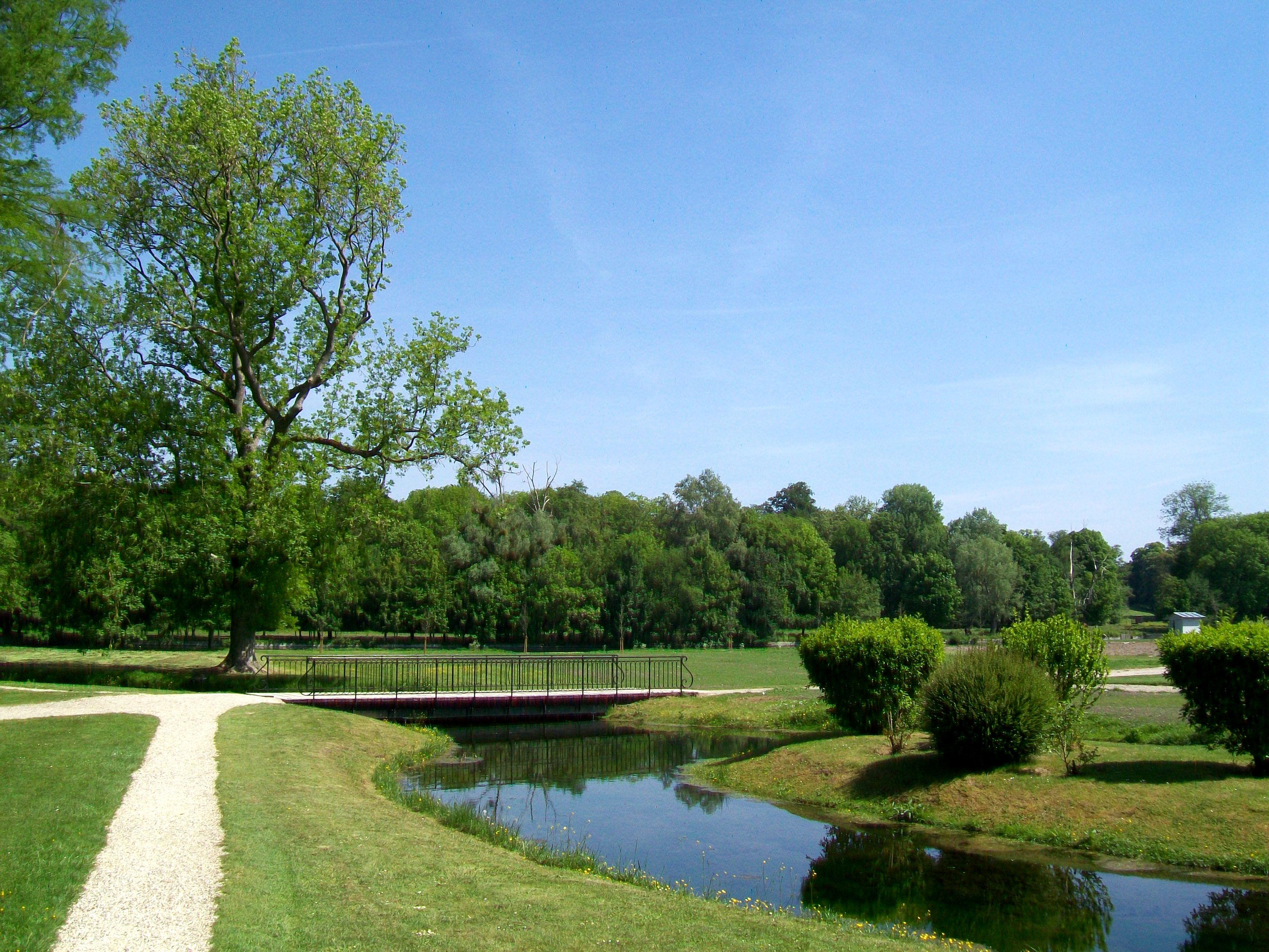 File ch teau de chantilly jardin anglo chinois vue depuis le hameau en dir du grand - Par vue de jardin ...