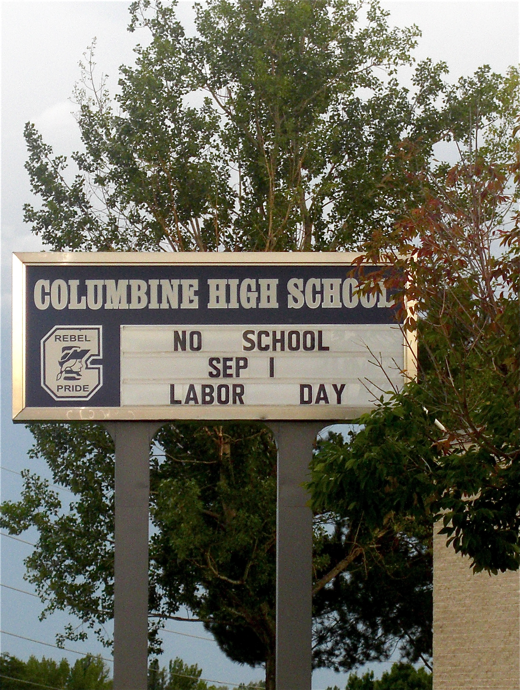 columbine high school essay The columbine high school shooting the columbine high school shooting april 20, 1999 was a grim tuesday for entire united states if not the world, as news had just come out that two (2.