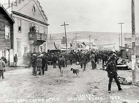 Crowd Assembled at Dawson Post Office, Yukon 1899.jpg
