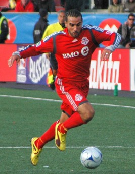 De Rosario playing for Toronto FC in 2010 DeRosario TFC 2010.jpg